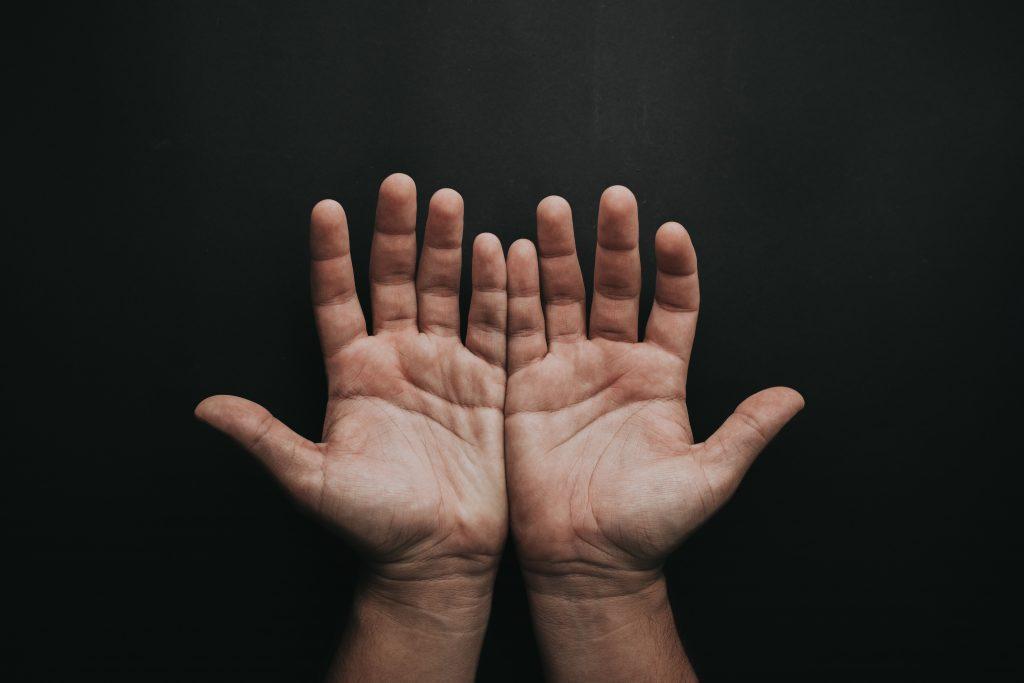 Beckenboden - Hände